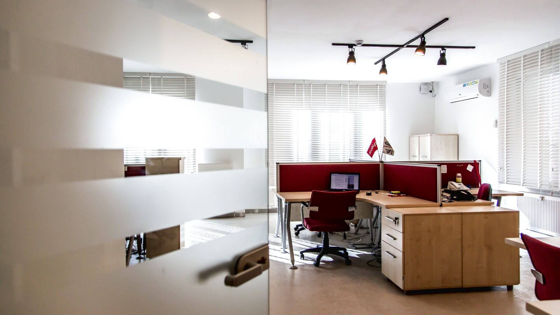 Ümitköy 2647 Net İletişim Ofis Binası Ofisler